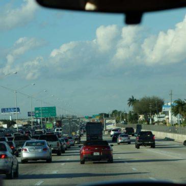 Viel Verkehr auf Miamis Straßen