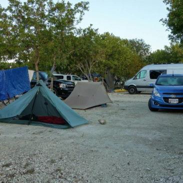 Gut gefüllter Zeltplatz auf den Florida Keys