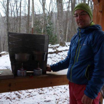 Kochen mit Windschutz