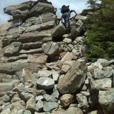 Steiler und steiniger Aufstieg