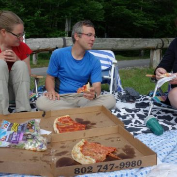 Mit Mary beim Picknick am See