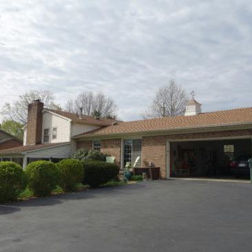 Die Rückseite von Adams Hostel (Stanimals Hostel) in Waynesboro, VA