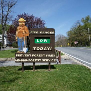Hinweisschild zur Waldbrandgefahrenlage in Maryland