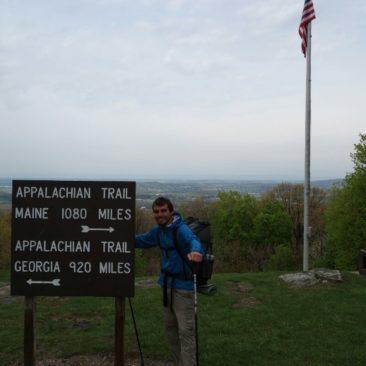 Veraltetes Hinweisschild entlang des Appalachian Trails