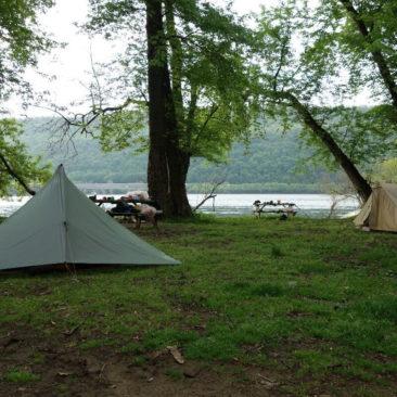 In Duncannon gibt es einen kleinen Zeltplatz direkt am Fluss (und leider auch der örtlichen Eisenbahnlinie).