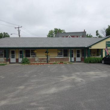 Das Sterling Inn in Dalton von außen