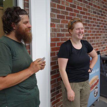 Trish (rechts) und Jesse - sie haben gerne auch mal Abkürzungen genommen