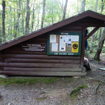 Eine von zwei The Birches Shelter im Baxter State Park