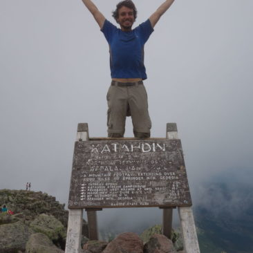 "Philipp ""Pillow"" auf Mount Katahdin - jetzt auch offiziell Thru-Hiker"