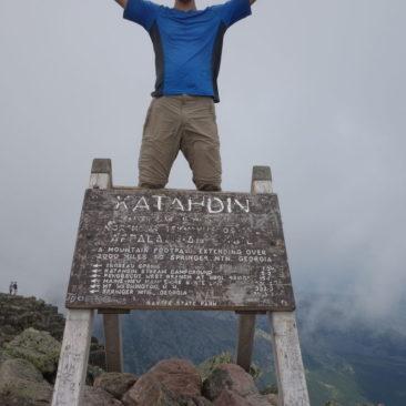 "Robert ""milkmonsta"" auf Mount Katahdin - jetzt auch offiziell Thru-Hiker"