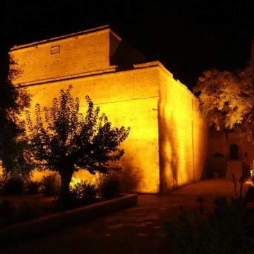 Die alte Festung von Limassol bei Nacht