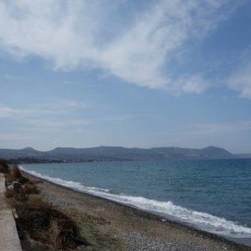 Am Strand von Latchi