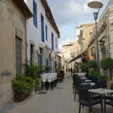 Typische Gasse in der Altstadt von Limassol