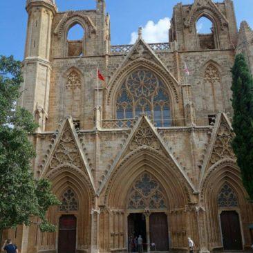 Zur Moschee umgewandelte Kreuzfahrerkathedrale in Famagusta