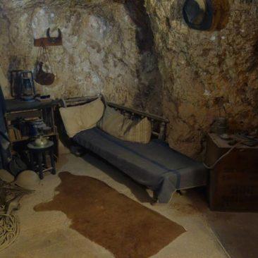 Wohnzimmer in der Museumswohnung unter Tage in Coober Pedy
