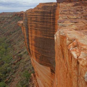 Imposante senkrechte Felswände im Kings Canyon