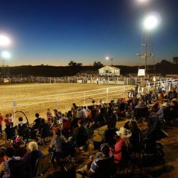Viel Andrang bis spät in die Nacht beim Carrieton Rodeo