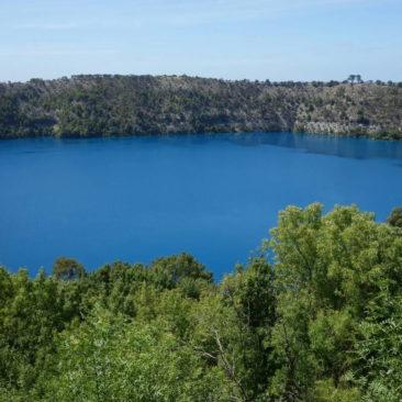 Der wahrhaft blaue Blue Lake von Mount Gambier