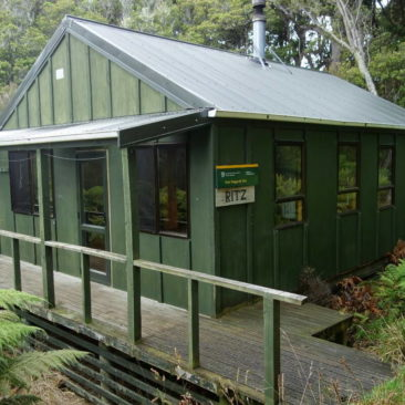 Die East Ruggedy Hut