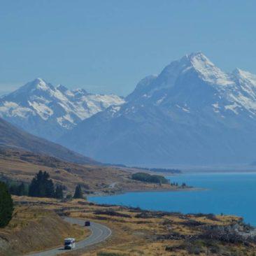 Ausblick auf Mount Cook (rechts) aus 40 km Entfernung