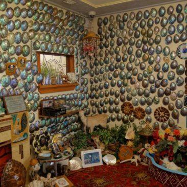 Das Wohnzimmer des Paua-Hauses im Canterbury Museum in Christchurch