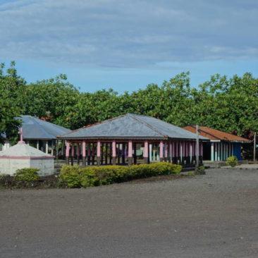Ein typischer Dorfplatz inkl. Versammlungsfale