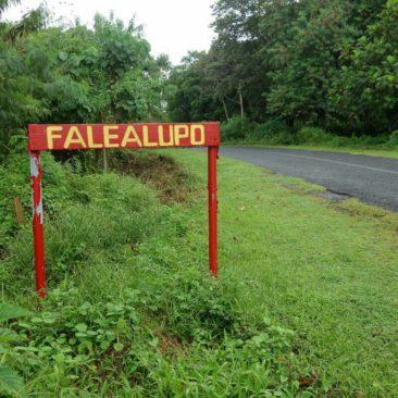 Ortseingangsschild auf samoanisch