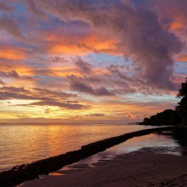 Malerischer Sonnenuntergang bei Satuiatua
