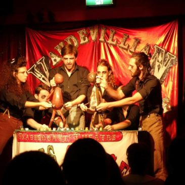 Boris und Sergey Pupenspiel im Rahmen des Melbourne Comedy Festivals