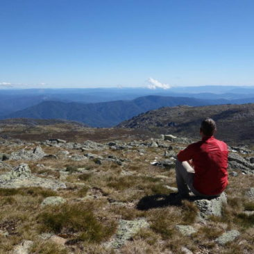 Auf dem Gipfel von Mount Kosciuszko