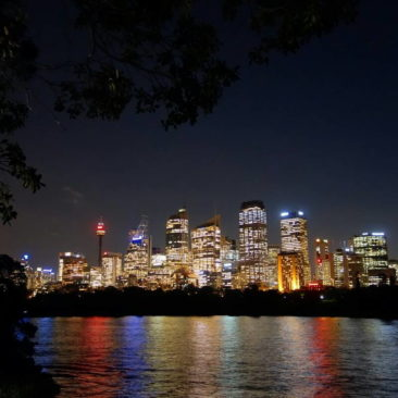 Sydneys Skyline bei Nacht