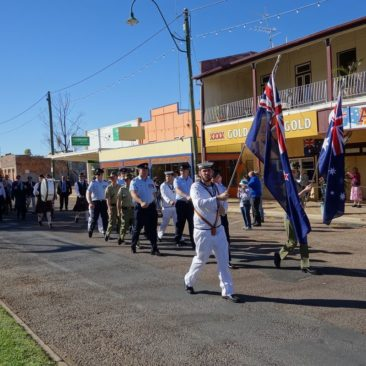 Die ANZAC-Day Parade in Winton