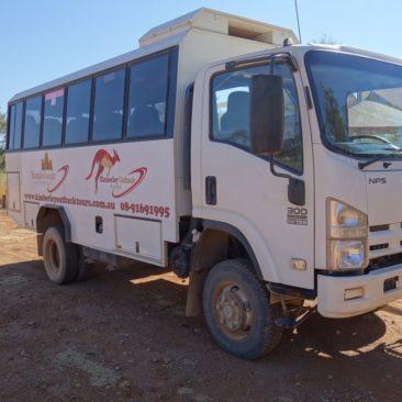 Mit diesem Tourbus geht es in die Bungle Bungle Range