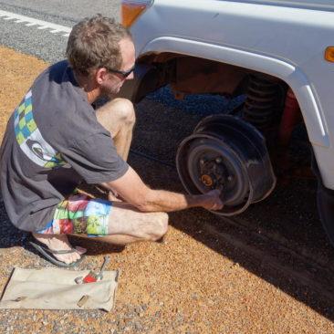 Danke an Shawn, der uns beim Reifenwechsel half