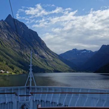 Per Hurtigruten-Schiff an Norwegens Küste entlang – Teil 1