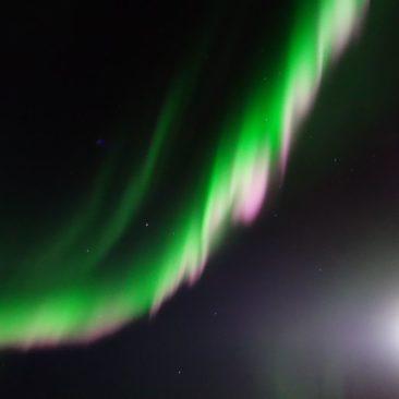 Polarlicht über dem Schiff