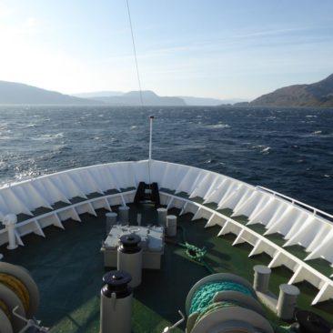 Seegang vor dem Bug der MS Vesterålen